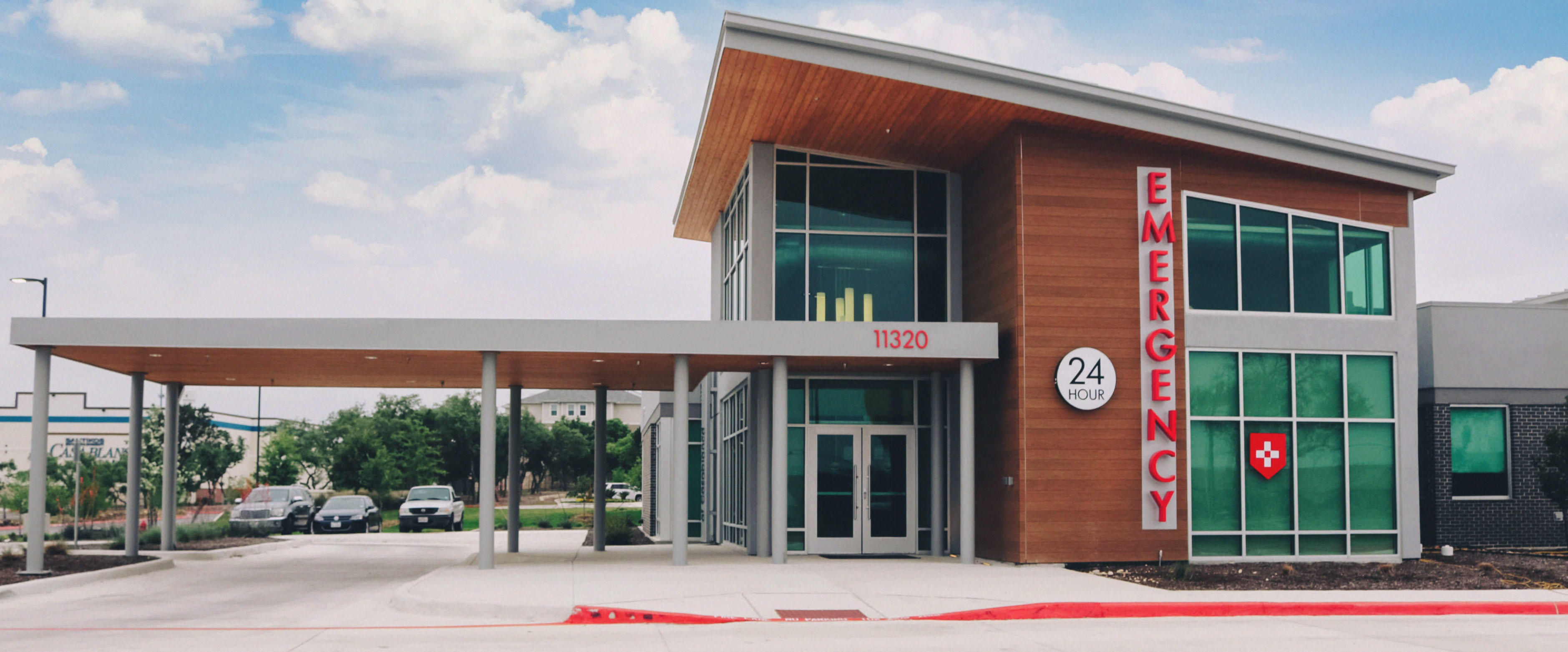An exterior photo of The Emergency Center located in San Antonio.